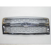 OEM 2014-2015 Chevy Silverado Grille Heavy Pitting Scratches 23181418