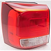 OEM Kia Sorento Left Driver Side Quarter Mounted Tail Lamp Lens Crack