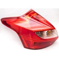 OEM Ford Focus Hatchback Left Quarter Driver Side Tail Lamp Lens Cracked
