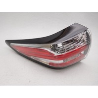OEM Nissan Murano Left Quarter Panel Tail Lamp 26555-5AA0A Lens Chip