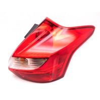 OEM Ford Focus Hatchback Rear Right Passenger Tail Light Tail Lamp-Lens Crack