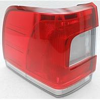 OEM Lincoln Navigator Left Driver Side Quarter Mount LED Tail Lamp Lens Chip