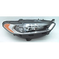OEM Ford Fusion Right Halogen Headlamp DS7Z-13008-A Lens Tab Crack