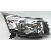 OEM Chevrolet Cruze Right Passenger Headlamp Wear on Lens 95900042