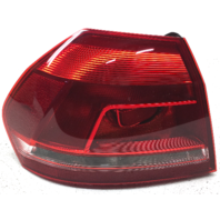 OEM Volkswagen Passat Sedan Left Quarter Mounted Tail Lamp 561-945-095-H