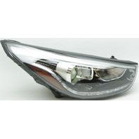 OEM Hyundai Tucson Right Passenger Side Headlamp Mount Missing 92102-2S560
