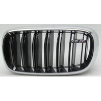 OEM BMW X5M Left Driver Side Grille 51-11-8-056-323 Scratches