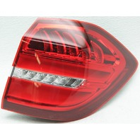 OEM Mercedes-Benz GLS-Class Right Side LED Tail Lamp 1669060402