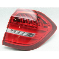 OEM Mercedes-Benz GLS-Class Right Side LED Tail Lamp 1669060402 Lens Crack