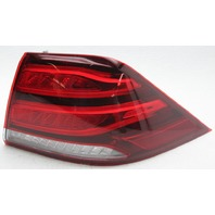 OEM Mercedes-Benz GLE Right Side LED Tail Lamp 1669065801 Lens Chip and Crack