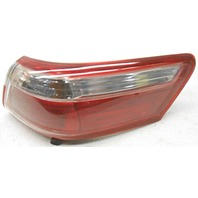 OEM Toyota Camry Right Passenger Side Quarter Mount Tail Lamp Lens Scratches