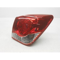 OEM Chevrolet Cruze Right Tail Lamp Tiny Crack 95384047