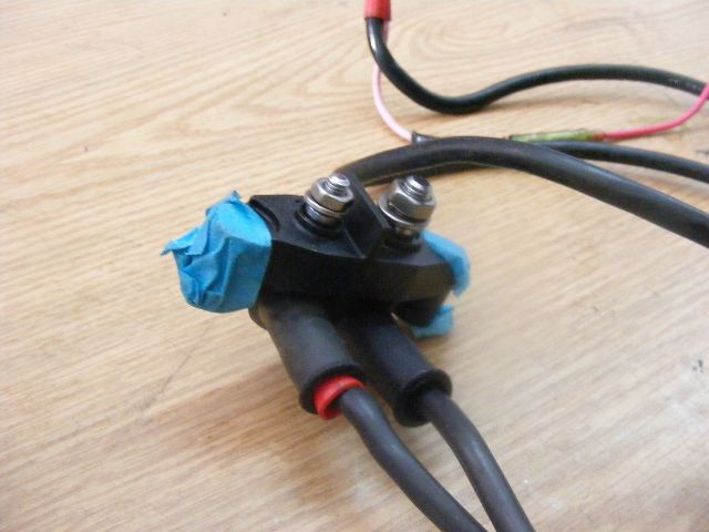 00 Battery Cable : Yamaha  hp battery cable d v