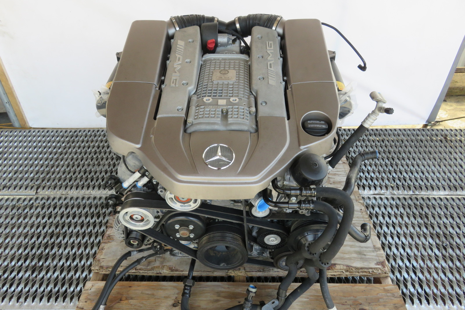 04 mercedes r230 sl55 sl500 engine motor v8 supercharged. Black Bedroom Furniture Sets. Home Design Ideas