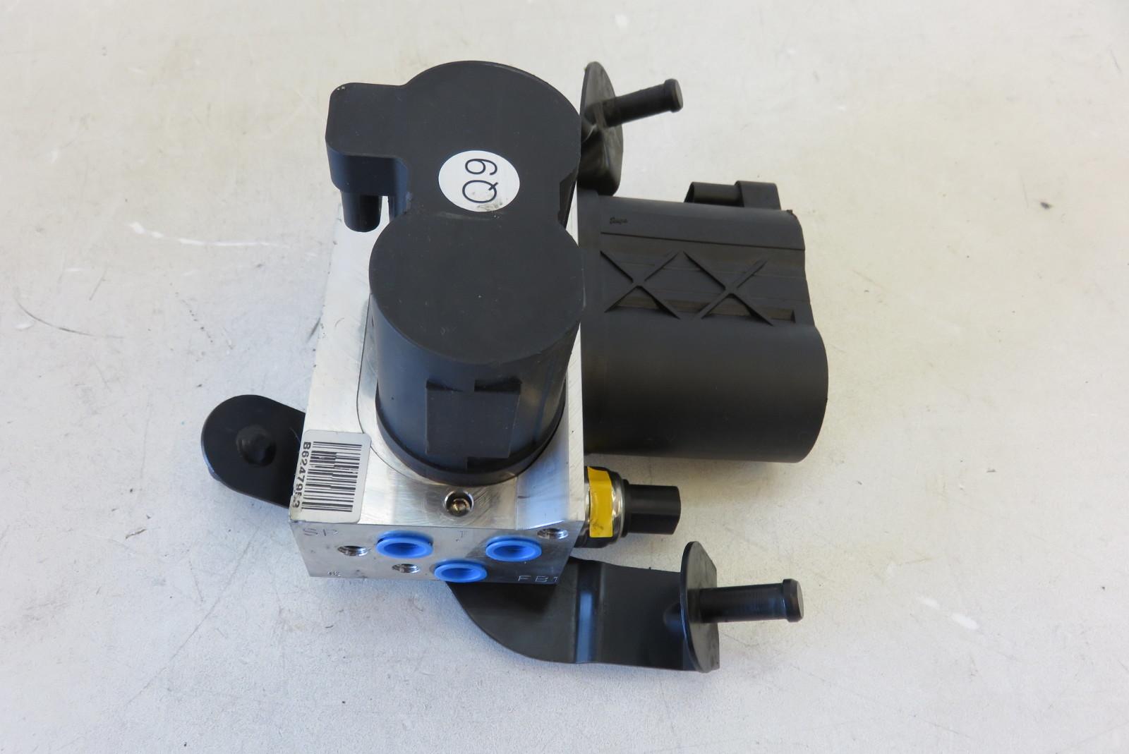 Jaguar Auto Parts >> 08 Mercedes W216 CL63 CL550 abc suspension hydraulic valve block rear 2213200358 | S Auto Parts