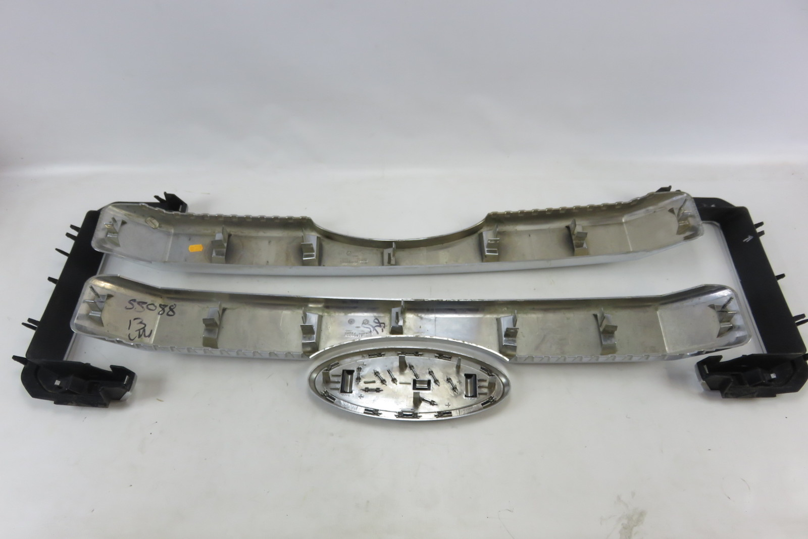 13 Ford F350 F250 grill front inner chrome grille set w/ emblem badge oem | S Auto Parts