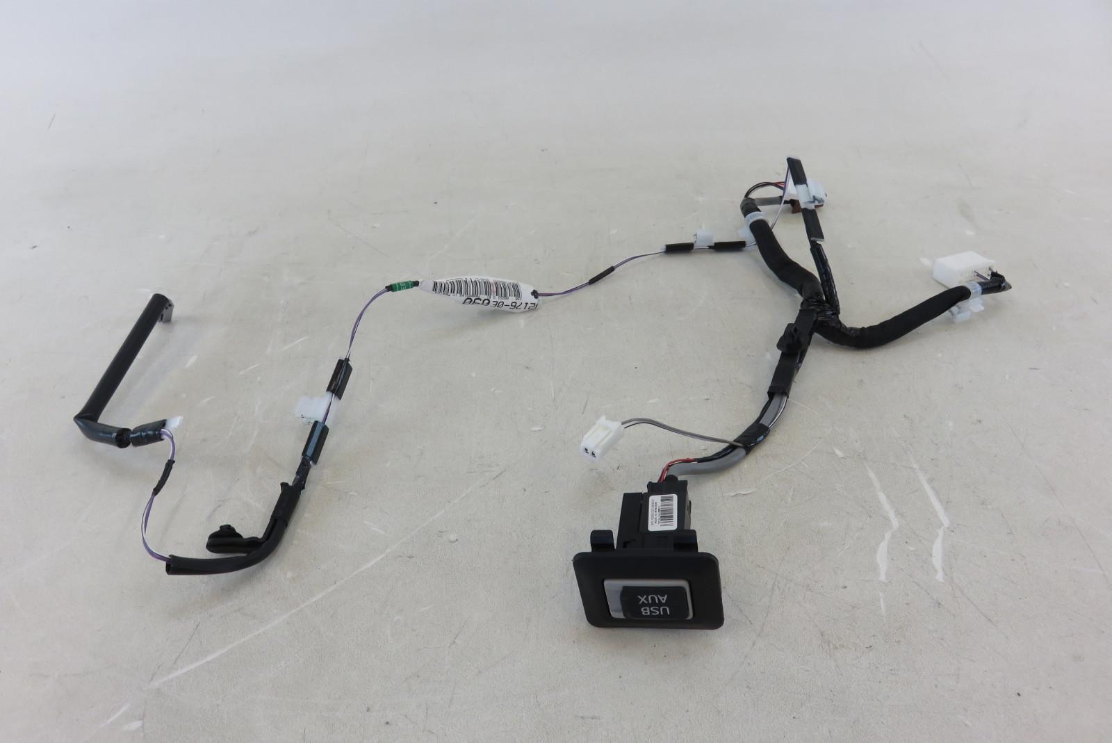 13 14 15 lexus rx350 usb auxiliary jack w wiring harness 86190 13 14 15 lexus rx350 usb auxiliary jack w wiring harness 86190 0e060