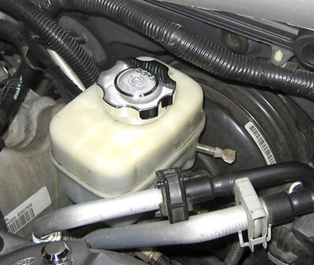 Pirate Mfg Mu Sc Ford Mustang Chrome Billet Brake Fluid Cap