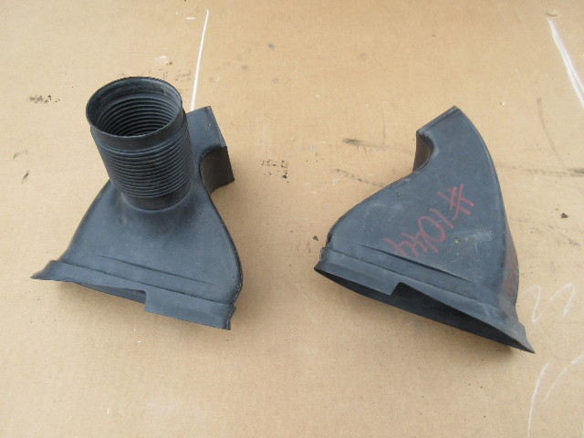 2000 BMW Z3 M Roadster E36 #1044 Front Brake Cooling Air Duct Dam Set