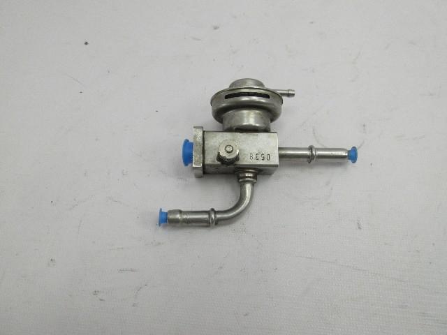 01-06 BMW M3 E46 Convertible #1047 Fuel Gas Pressure Regulator OEM 7830368