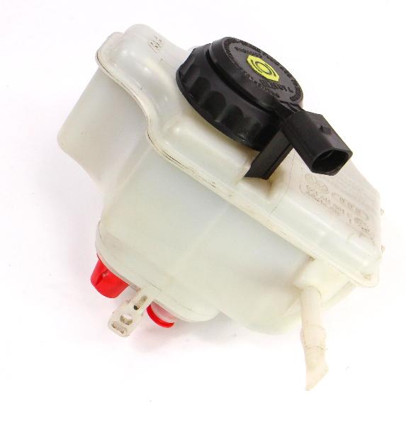 Brake Master Cylinder Fluid Reservoir 05-18 VW Jetta MK5 MK6 - 1K1 611 301 E