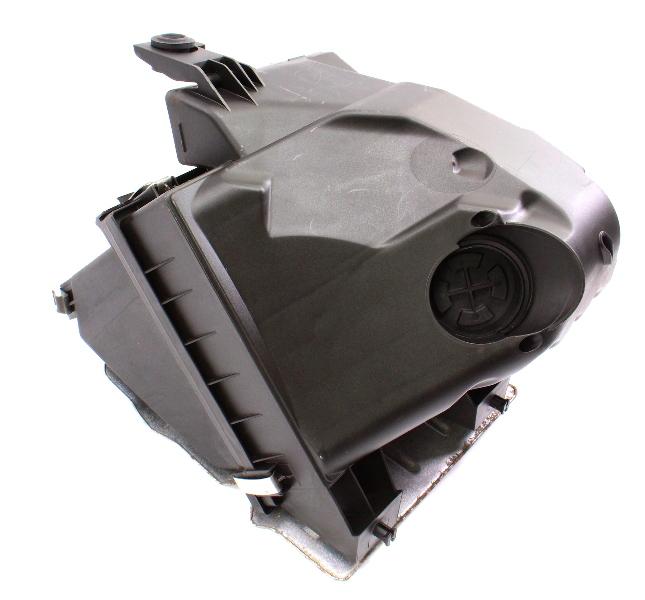 Air Intake Filter Housing Box 01-05 VW Passat B5.5 1.8T AWM ~ 3B0 133 837 AE