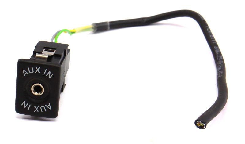 Aux Mp3 Auxiliary Input Socket 05-14 VW Jetta Rabbit Golf GTI ~ 5M0 035 724 ~