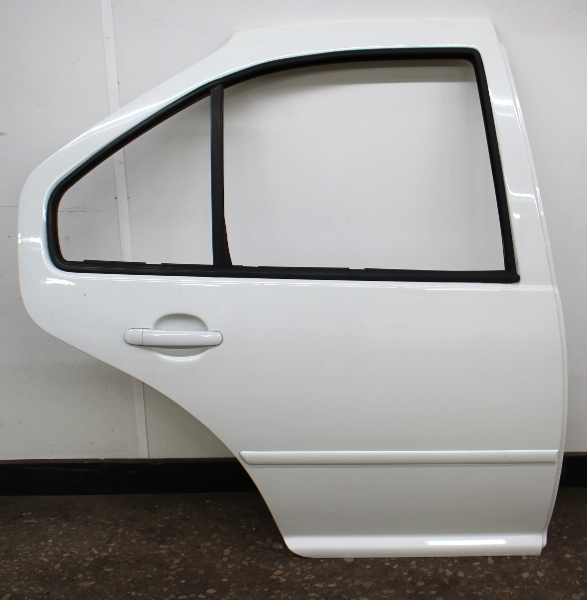 RH Rear Exterior Door Shell 99-05 VW Jetta Golf MK4 4DR LA9B Cool White
