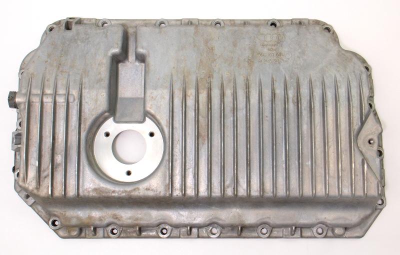 Oil Pan 05-11 Audi A4 A6 BKH 3.2 V6 - Genuine - 06E 103 604 G