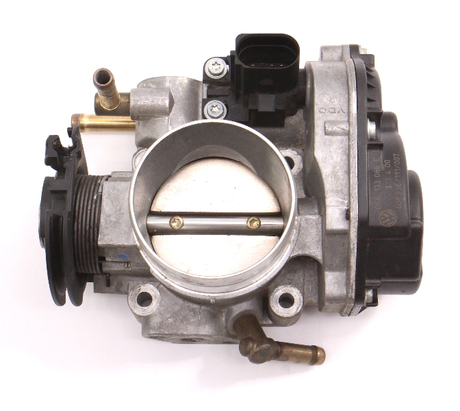 Throttle Body 99-01 VW Jetta Golf Beetle MK4 2.0 AEG - Genuine - 06A 133 066 E