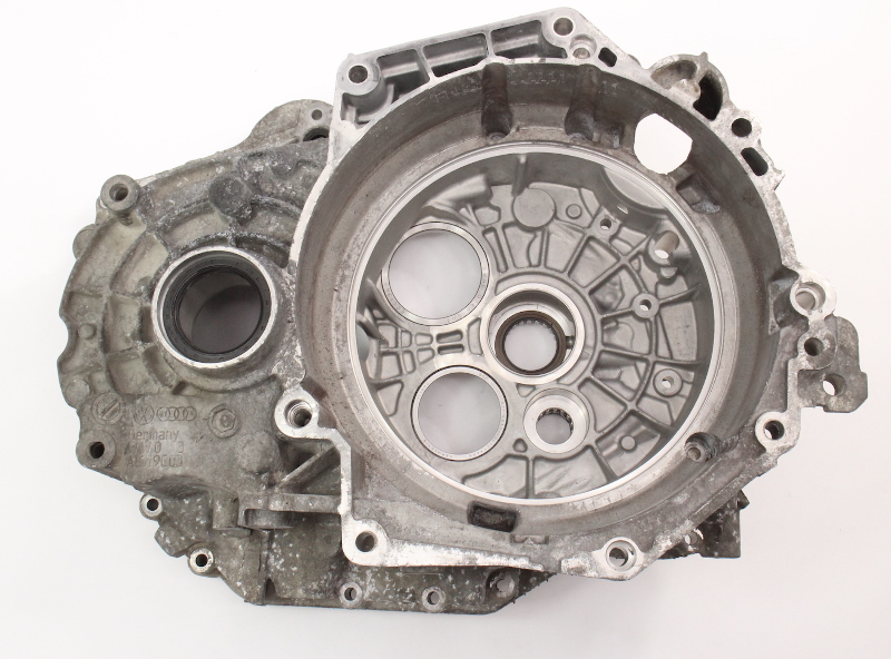 DSG Transmission Case Housing 2006 VW Jetta MK5 TDI HXU Genuine - 02E 301 107