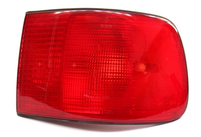 RH Tail Light Lamp 97-03 Audi A8 S8 D2 - Genuine - 4D0 945 096 B
