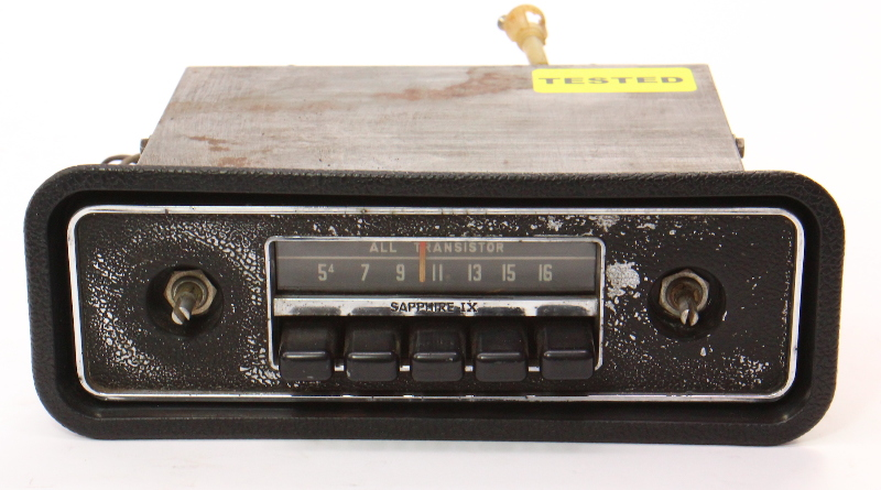 Sapphire iX Motorola Factory AM Radio 68-79 VW Beetle Bug Aircooled - Vintage