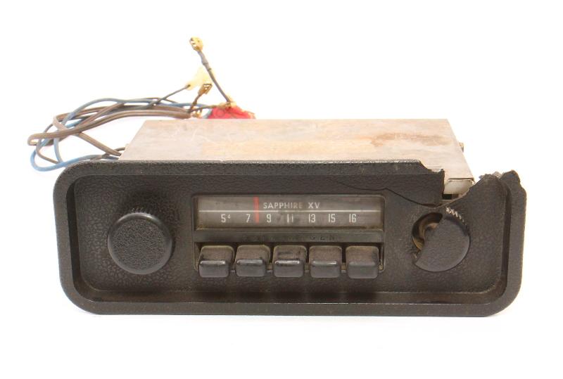 Sapphire XV Motorola Factory AM Radio 68-79 VW Beetle Bug Aircooled ~ Vintage