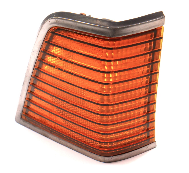 RH Turn Signal Light Lamp Lens 1979 VW Dasher - Genuine - 321 945 052 B