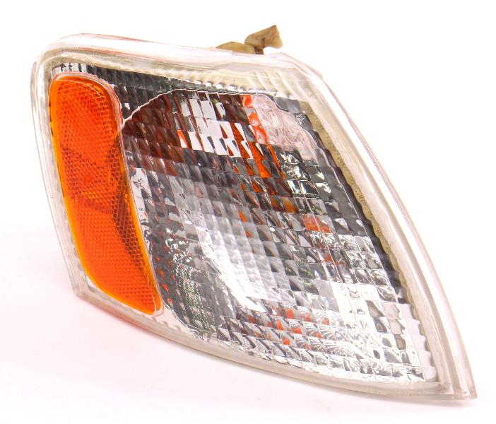 RH Turn Signal Corner Light Lamp Lens 98-01 VW Passat B5 - 3B0 953 050 D