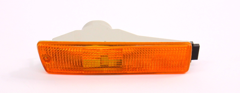 NOS RH Bumper Turn Signal Lamp Lens 89-92 VW Jetta Golf MK2 AUT-FIT 165 953 156