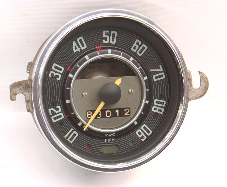 1968 VW Beetle Bug Speedometer Gauge Cluster Vintage Aircooled - 113 957 023 B .
