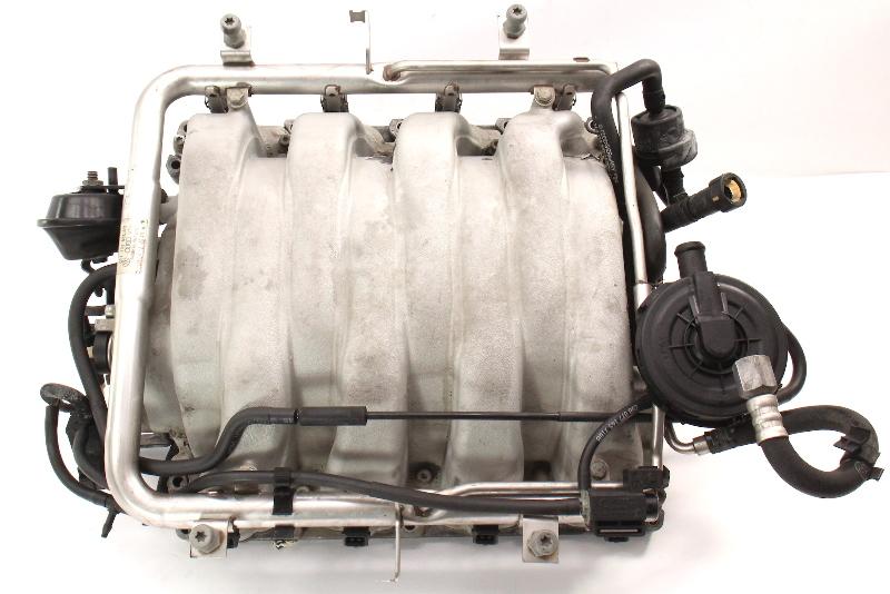 Intake Manifold & Injectors 04-07 VW Touareg 4.2 V8 - 077 133 185 BA