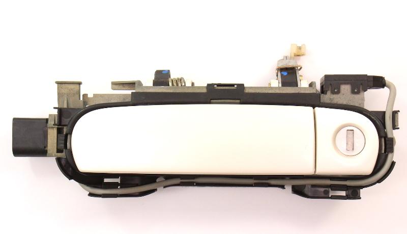 LH Driver Front Exterior Door Handle & Lock Cylinder 00-03 Audi A8 S8 D2 L0B9