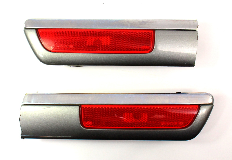 North American Rear Bumper Side Marker Light Lamp Cut Outs 01-05 VW Passat B5.5