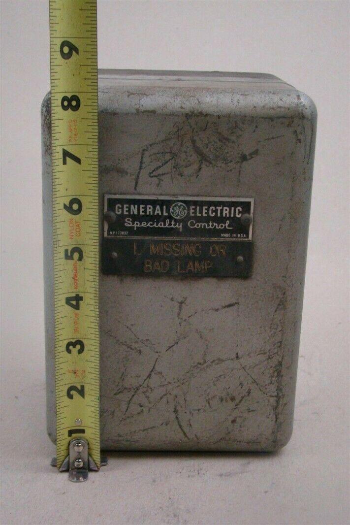 General Electric Electronic Timer 115  230v  50  60hz  Cr7504