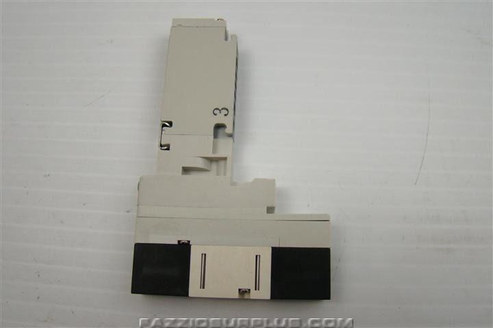 SMC 24VDC Solenoid Valve VQ1301RY-5-X40