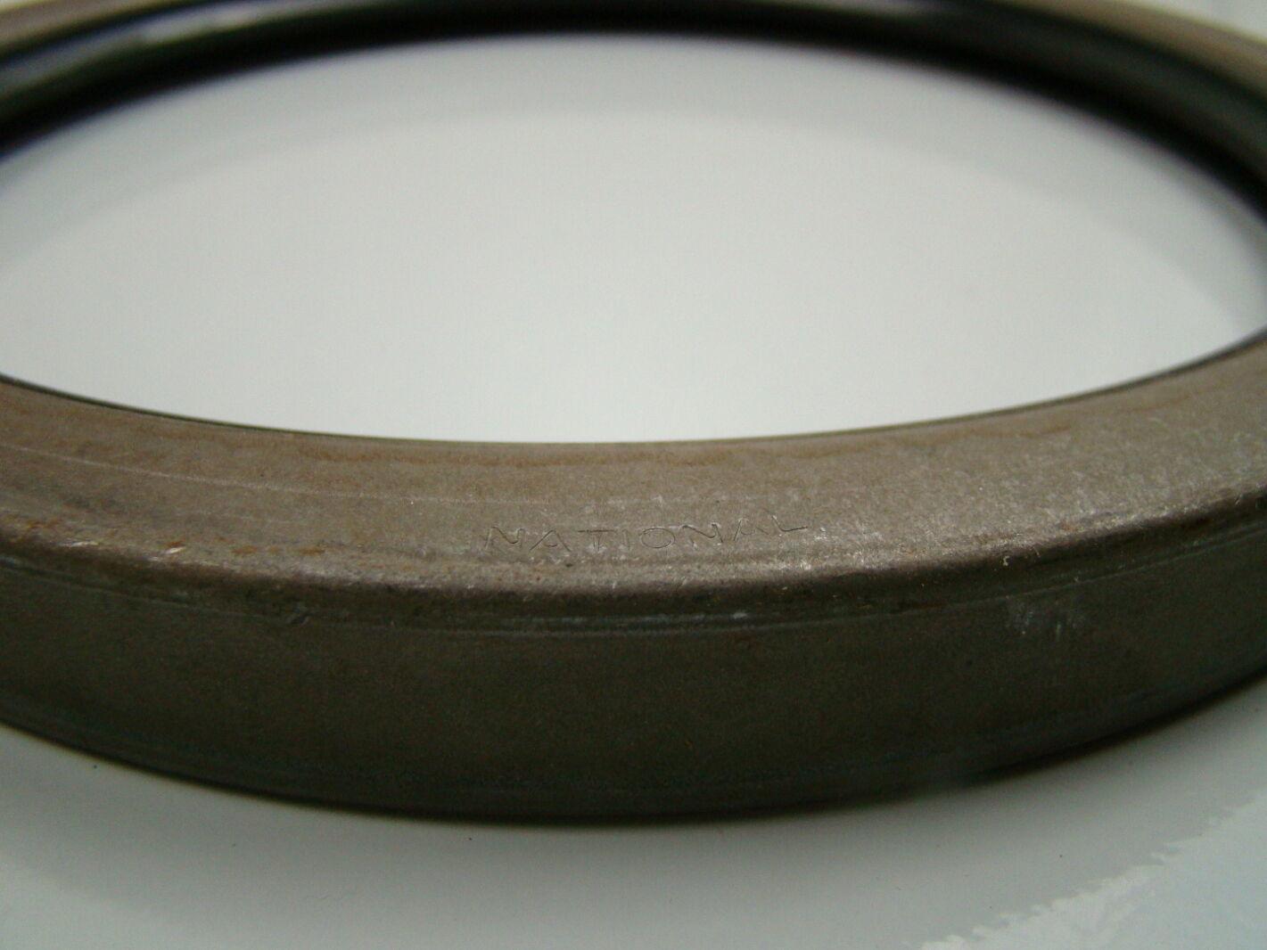 "National Oil Seals 7.500/"" x 9.000/"" x 0.750/"" 455551"
