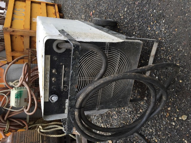 Patron  E40 Commercial/ Industrial Movable Air Heater  484 Volt, 3Ph , P40004