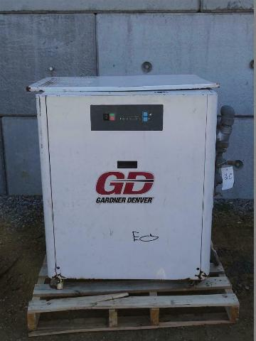 Gardner Denver Compressed Air Dryer 200 SCFM, RNC200A5C2N1