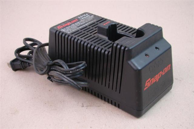 Snap-On  1 HR. Battery Charger  , CTC300