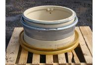 Construction & Mining Equipment Wheel S.W.UK DOT.B 51005322 25-11.25 ST60/2.0