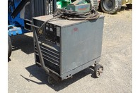 Lincoln Idealarc Arc Welder and foot pedal (FC-4)  , R3R-300