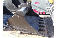 "ES  48"" Excavator Bucket, 80 Class Cat/Deere/Hitachi  50mm Pins , ESB-90BE"